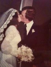 wedding-kisses