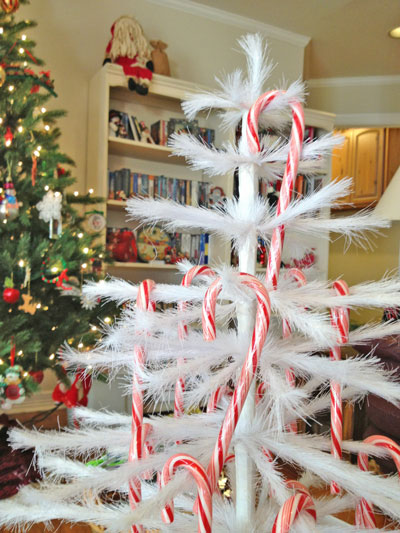 3-Christmas-feather-tree