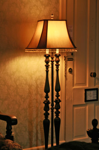 haunted-lamp